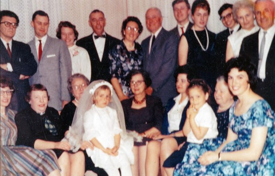 1961, première communion de Claire Thivierge - incl Anna, Cecilia, Françoise T.