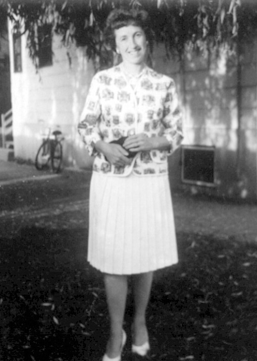 1964, Jeanne Naubert