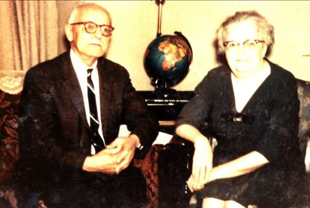 1965, approx Jean der Kinderen (Onkel) et son épouse Jeanne