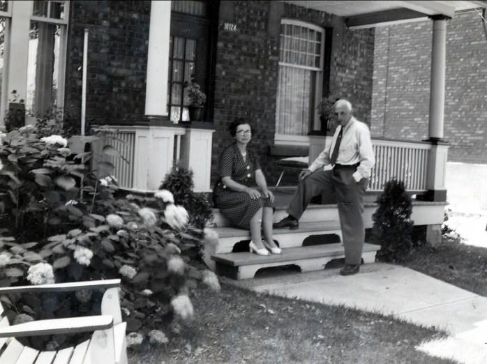 1967 approx - grand papa et grand maman rue Émile
