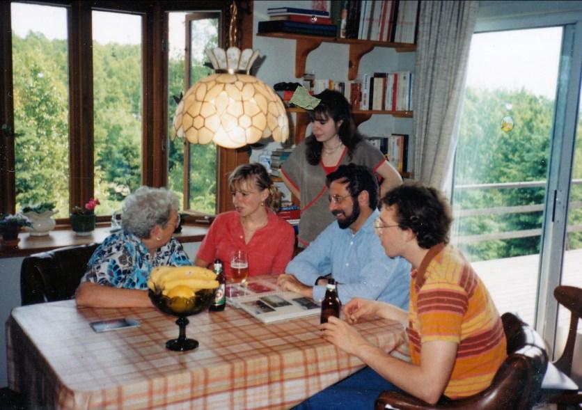 1985, approx Henriette, Claire, Marie-Jo, Bobby et Arie