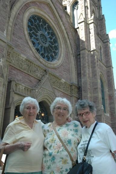 2008, 3 soeurs église St-James (2)