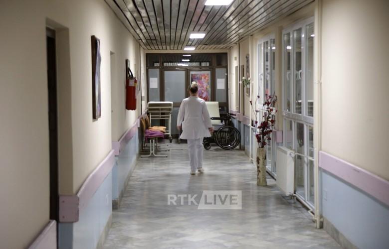 COVID-19, dy pacientë vazhdojnë të mbesin në gjendje kritike