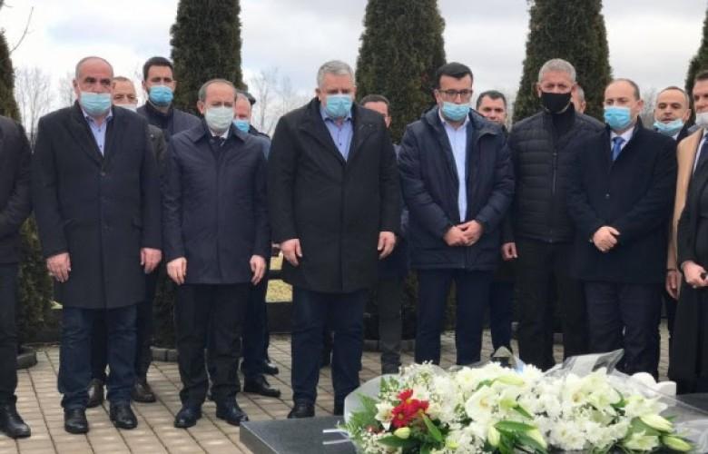 Hoti kujton Fadil Feratin: Shtyllë e organizimit të LDK-së