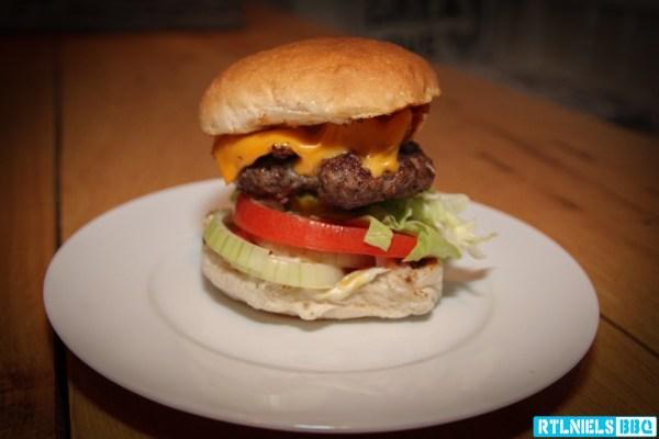 bacon_cheeseburger_IMG_0939_20141205_LR_1600L