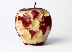 pianeta-terra-cibo-mela-spreco