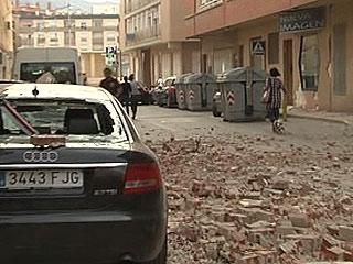 Ver vídeo  'El alcalde de Lorca dice que podría haber entre dos y cinco muertos por los terremotos'