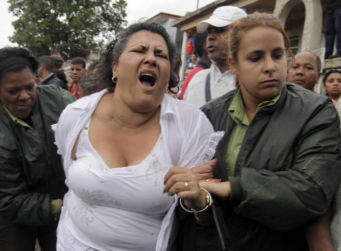 https://i1.wp.com/www.rtve.es/imagenes/fuerzas-seguridad-cubana-se-llevan-a-dama-blanco/1268856912772.jpg