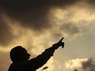 Ver vídeo 'Gadafi aumenta la presión para recuperar el terreno en manos de los rebeldes'