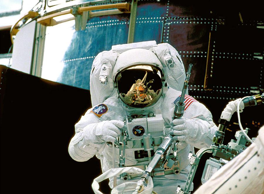 Reparando el Hubble
