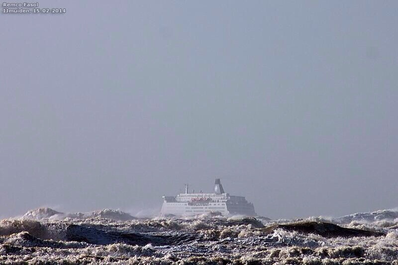 Update: DFDS-Ferry terug in haven na flinke storm