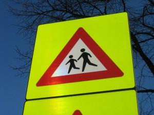 """Oversteekplaats Foto: Flickr.com / """"Pedestrian crossing sign"""" by DennisM2"""
