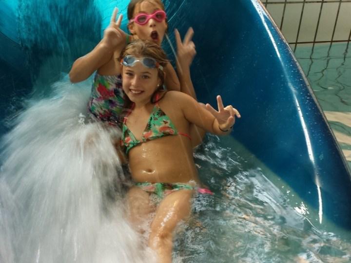 Zwembadglijbaan krijgt achtbaanfoto