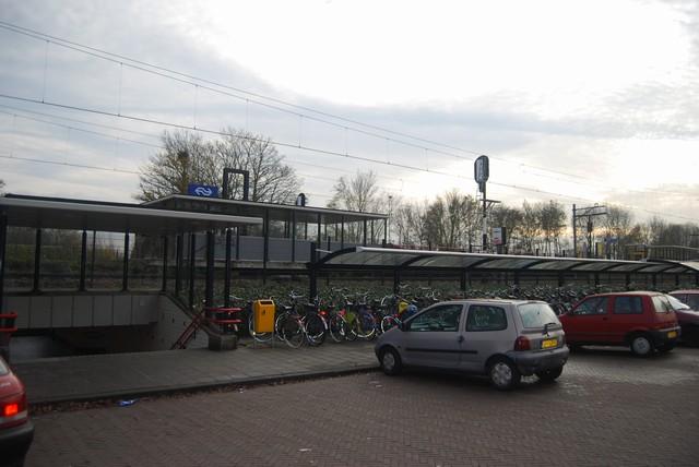 Maand niet parkeren bij station Driehuis