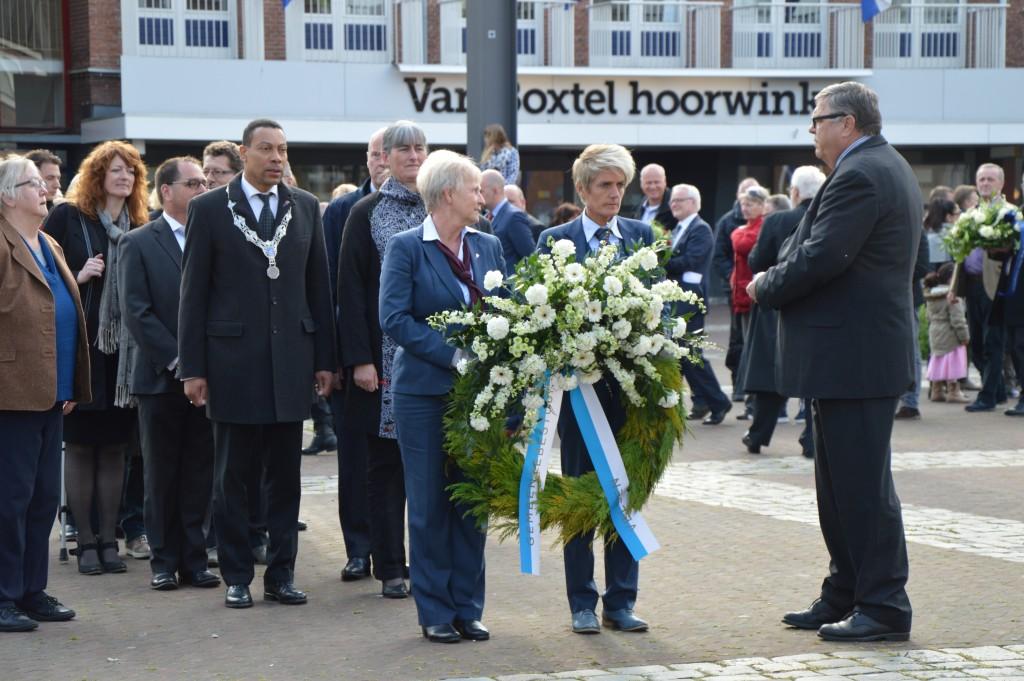 04-05-2015 Stadhuis Herdenking3
