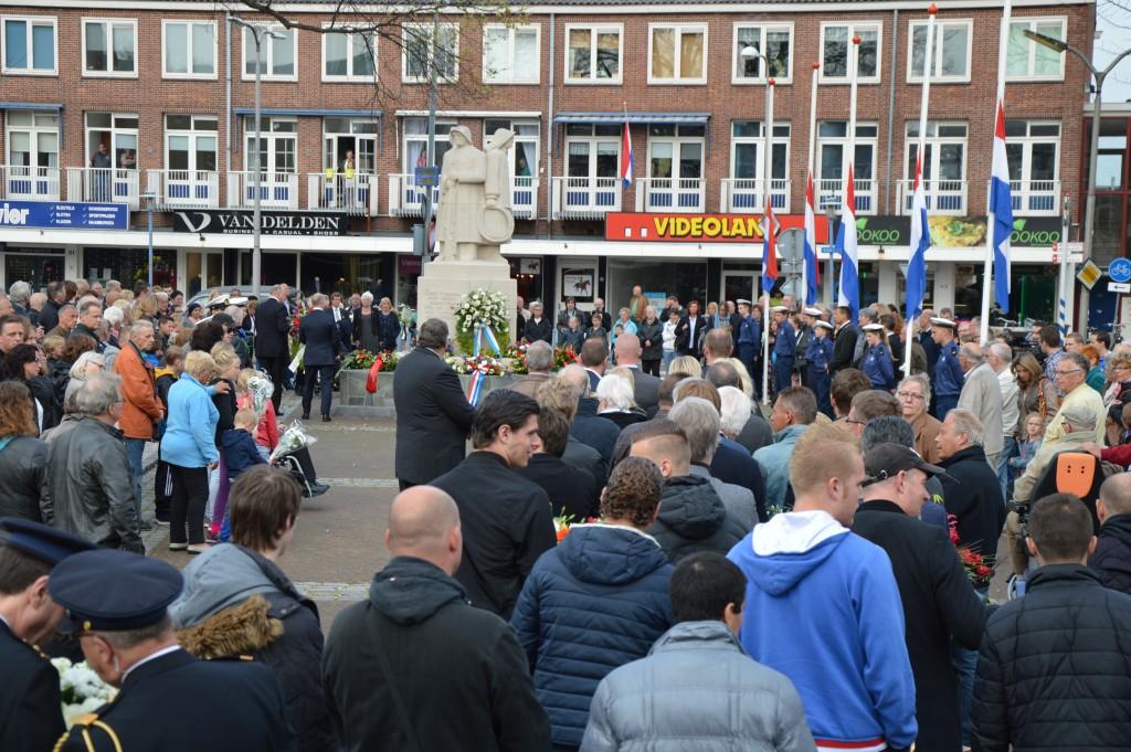 04-05-2015 Stadhuis Herdenking6