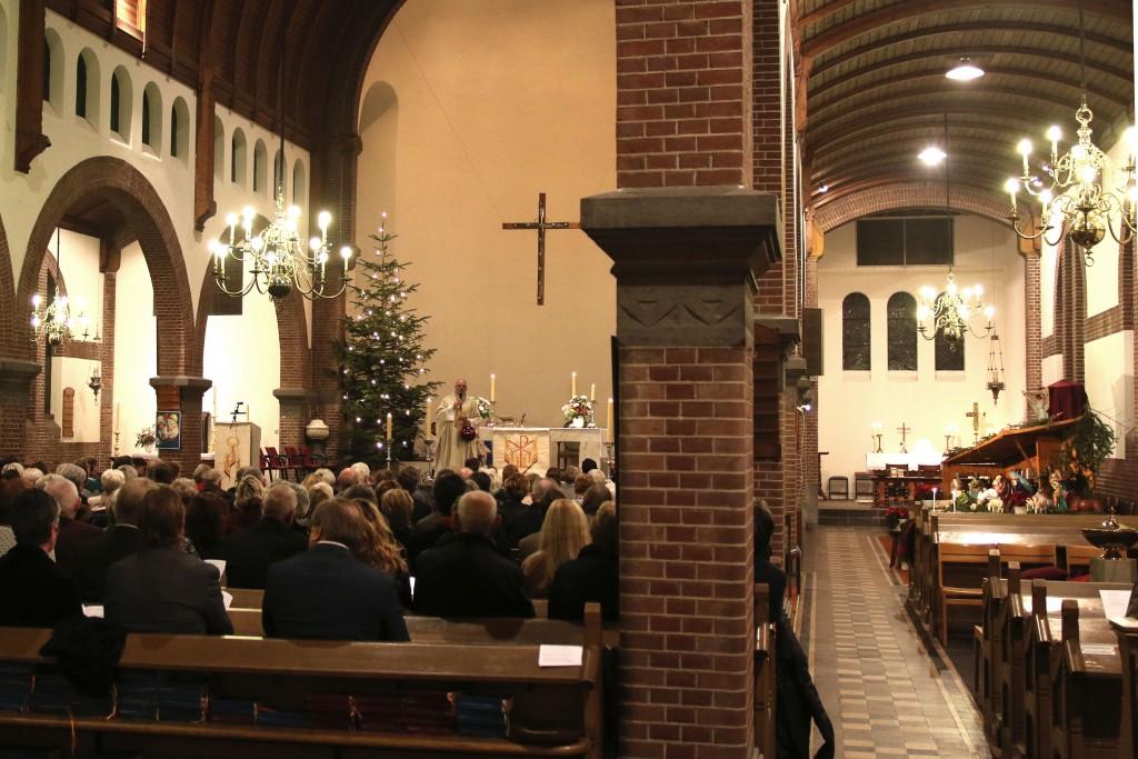 2015 12 Kerstavond Oud Katholieke kerk - 00003