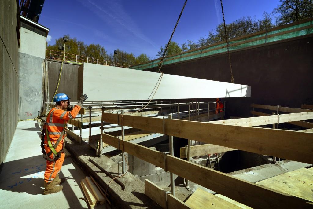 Nieuwe lichtrooster Velsertunnel