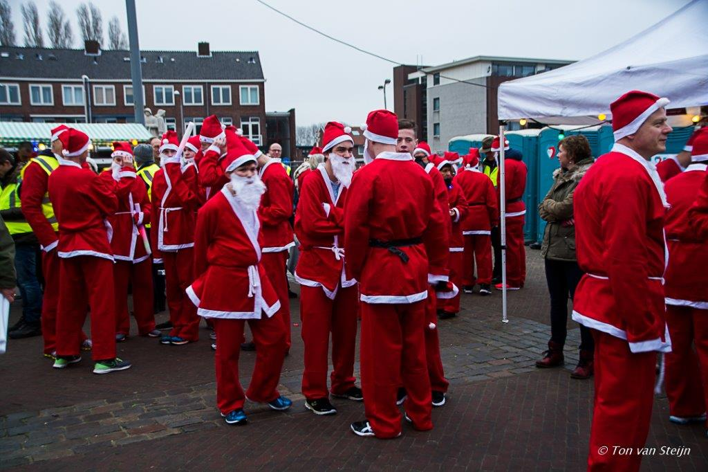 Tweede Rotary Santa Run in Velsen
