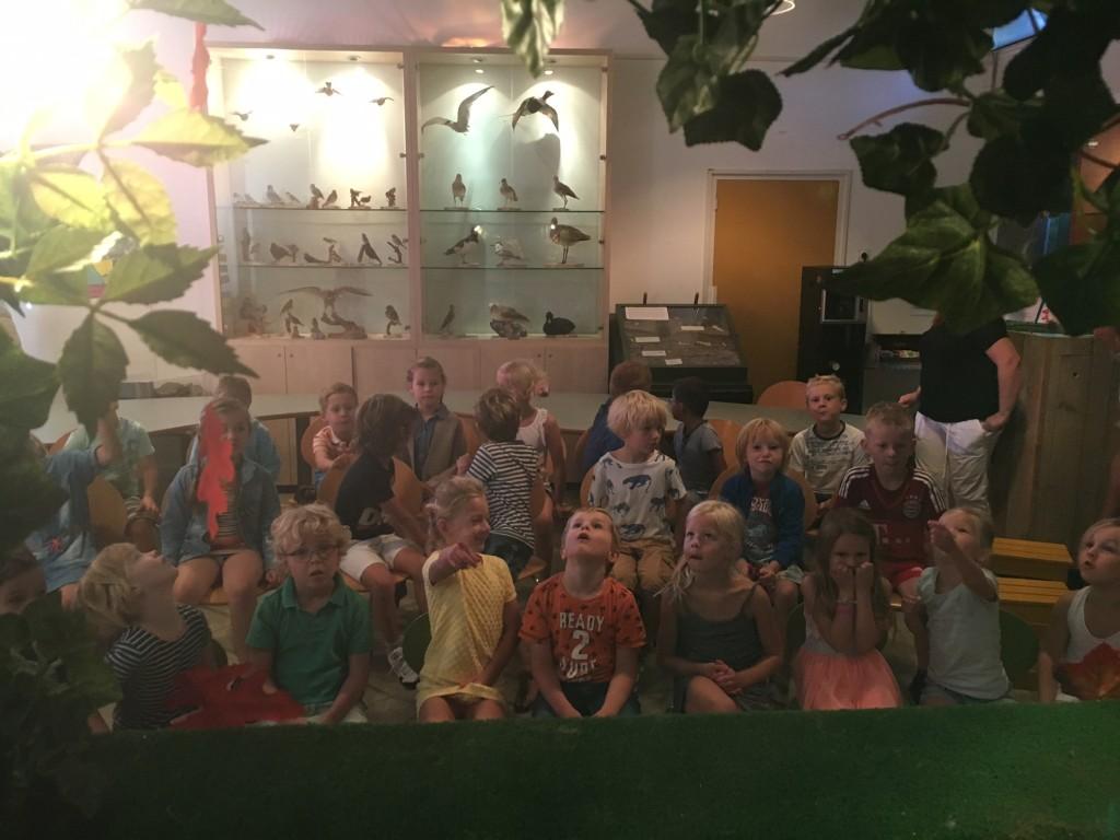 kinderen-toermalijn-openen-de-tentoonstelling-bos-vol-geheimen