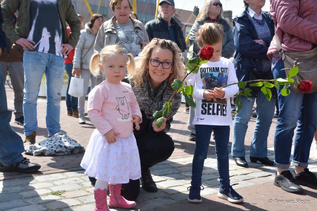 2017-04-29 Lente Markt Plein 1945 IJmuiden 20170429-DSC_3128
