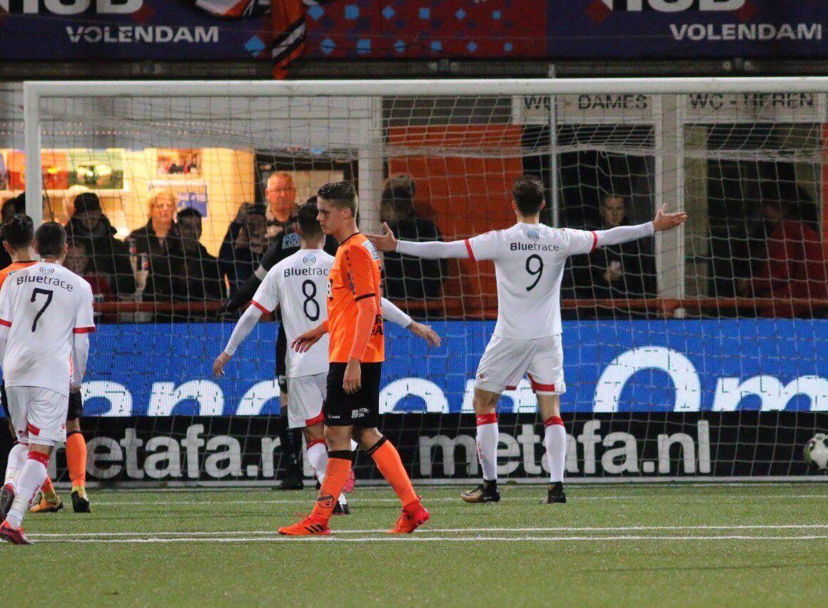 Telstar wint vissersderby in Volendam