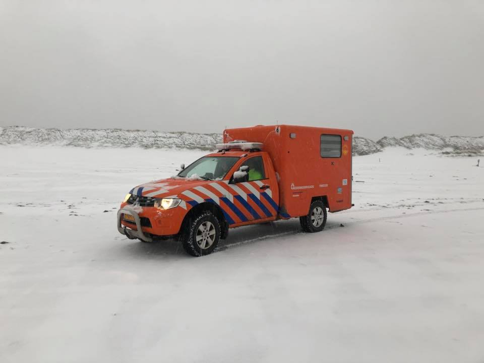 Sneeuw IJmuider reddingsbrigade