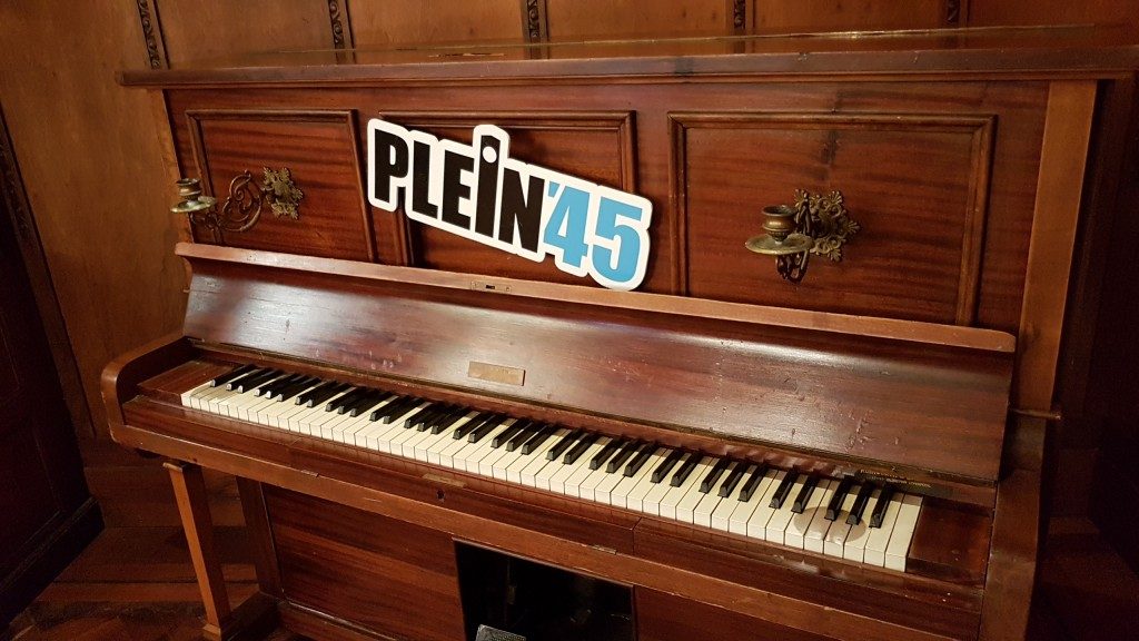 Zaterdag tv-talkshow Plein 45 vanuit Dorpskerk Santpoort