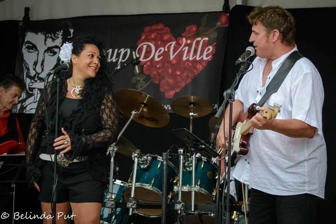 Coup DeVille speelt zondag in café Bartje