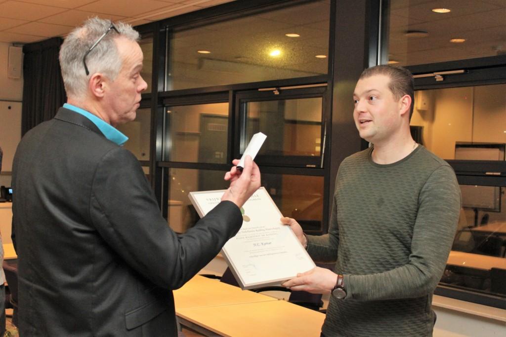 Vrijwilligers reddingstation IJmuiden van de KNRM onderscheiden
