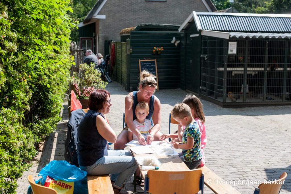 pinsteren in Velserbeek (8)