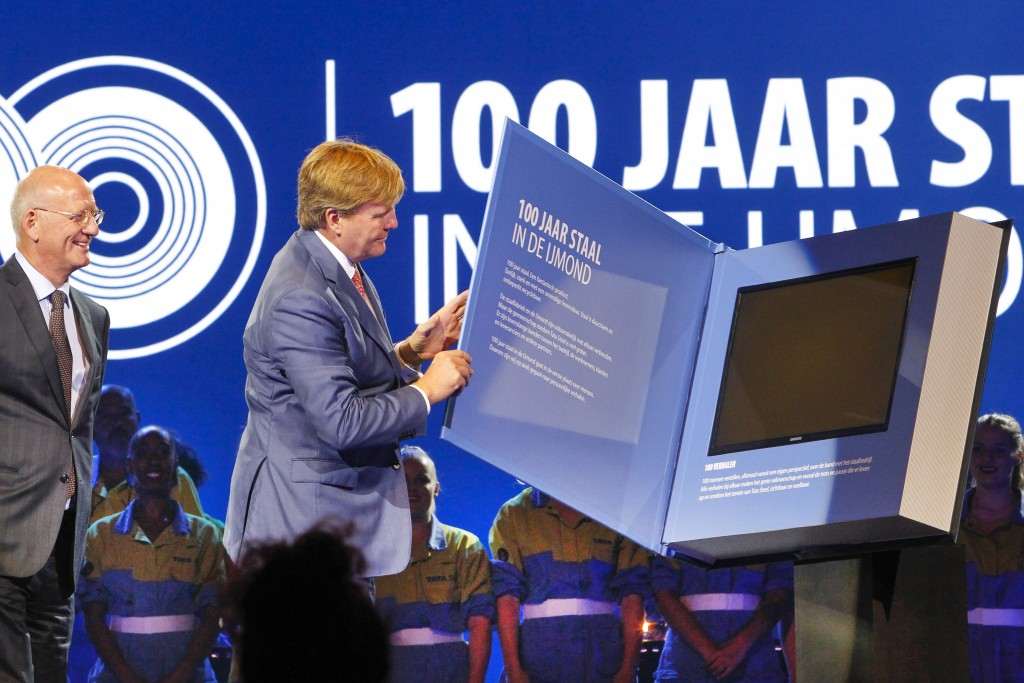 Koning Willem-Alexander opent jubileumfeest Tata Steel