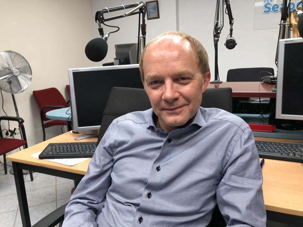 Openhartig  radio interview met Derek Ogilvie