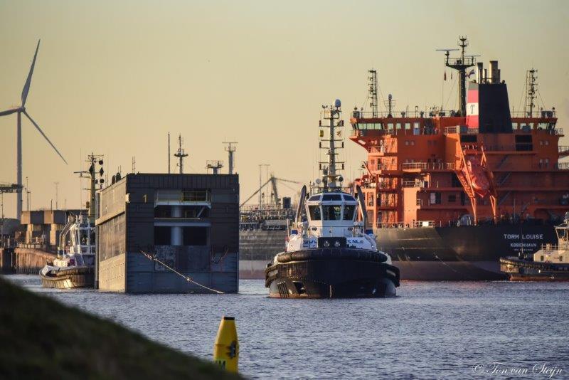 Beslaglegging dreigt op deuren nieuwe zeesluis