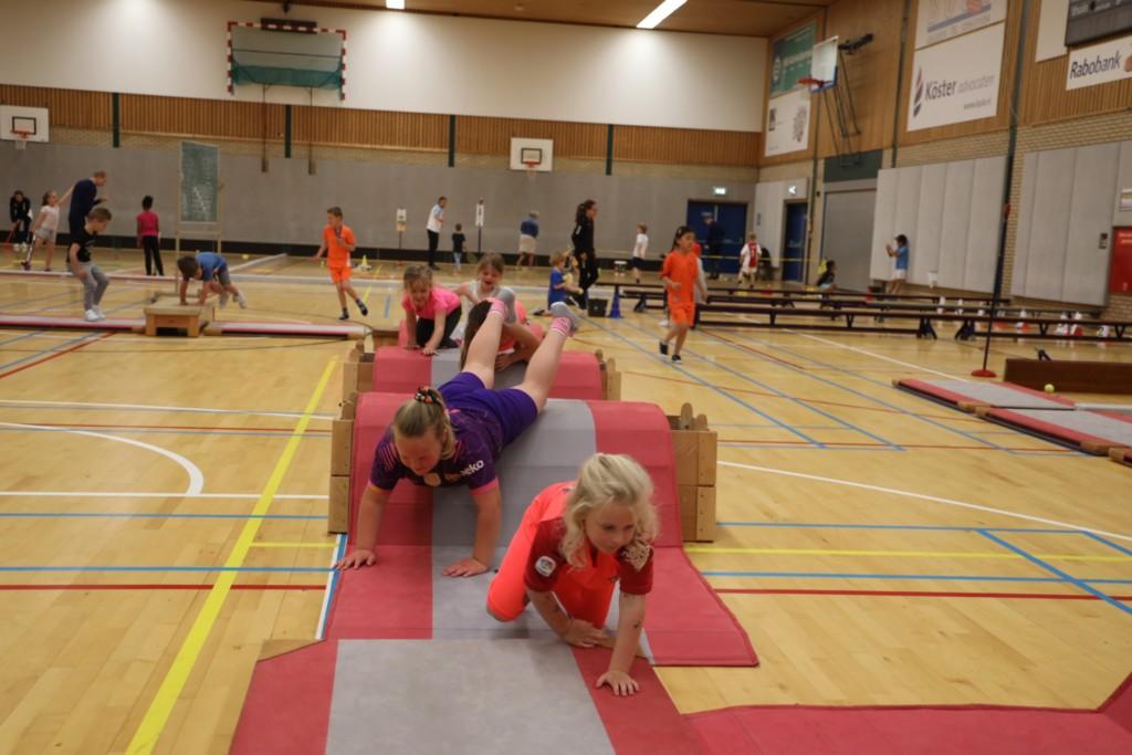 2019-04-30 Groep 1-3 sportmix Sporthal IJmuiden - 00011