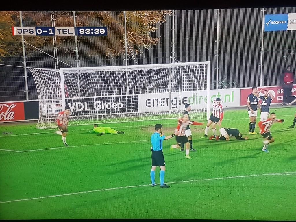 Telstar verspeelt voorsprong tegen PSV