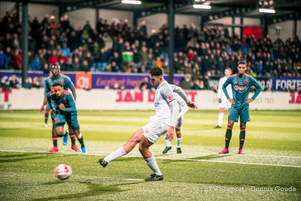 Telstar komt tijd tekort tegen Jong Ajax