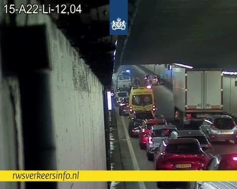 Velsertunnel richting Haarlem dicht door ongeluk, omleiding via Wijkertunnel