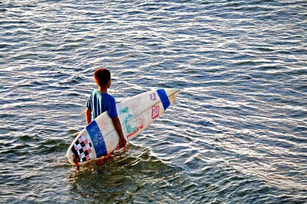 Cloud 9 surfer