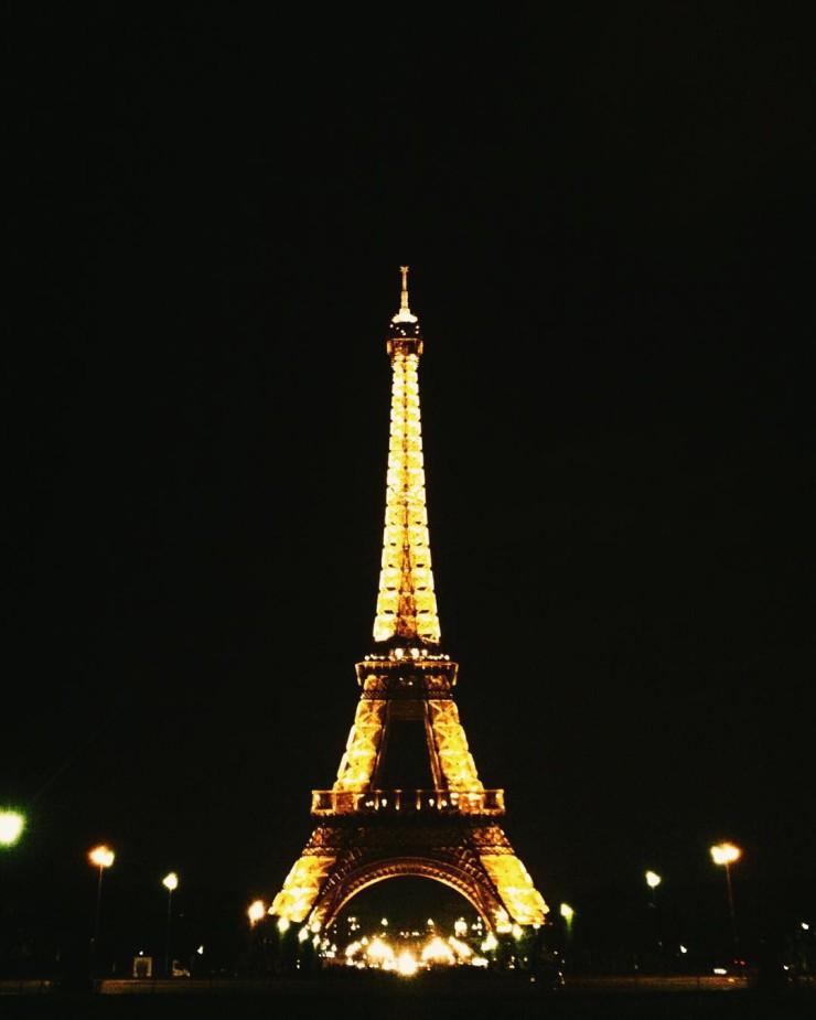 Eiffel Paris - Paris tips | www.rtwgirl.com