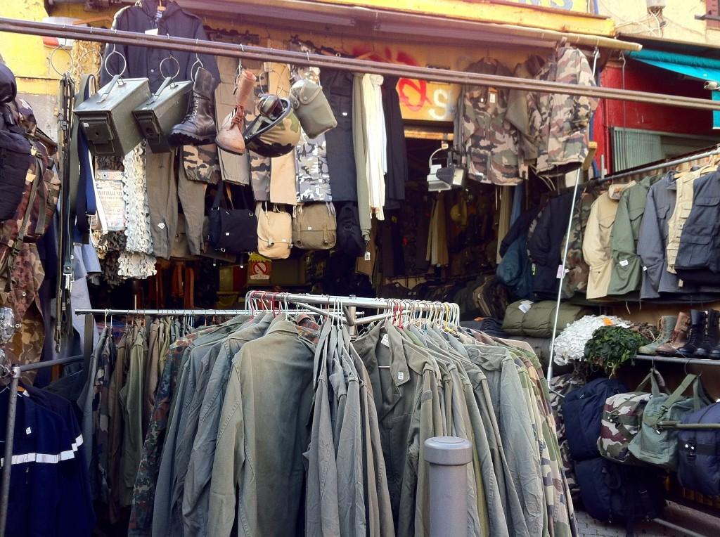 Saint Ouen Flea Market - Paris tips | www.rtwgirl.com