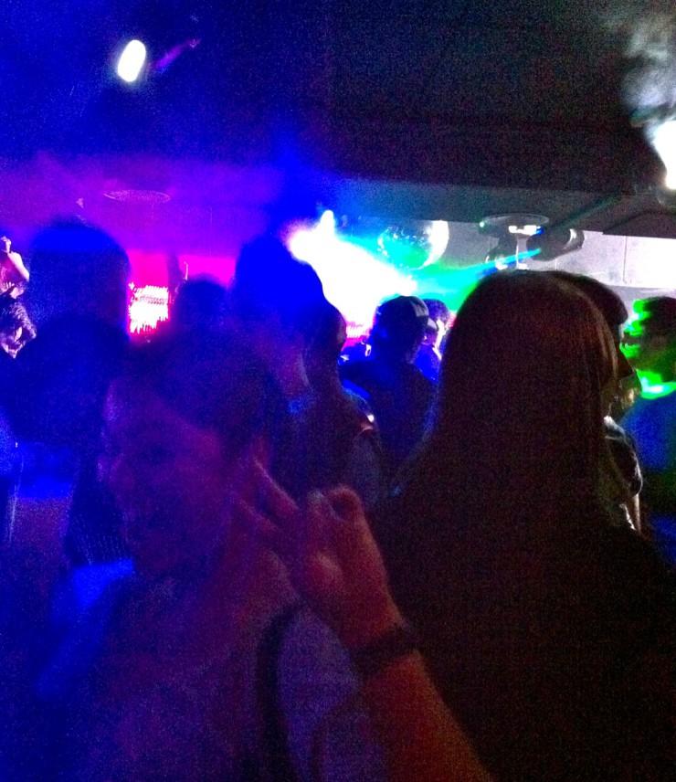 Barcelona Nightclub | www.rtwgirl.com