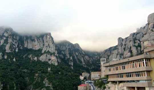 Montserrat | www.rtwgirl.com