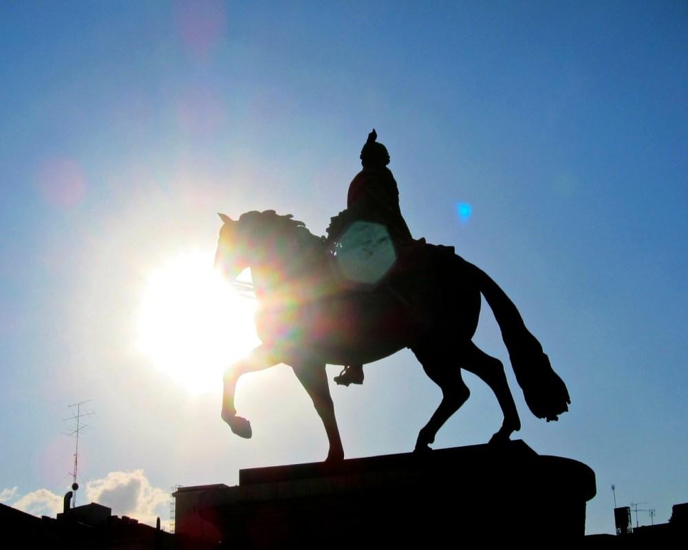 Puerta Del Sol - Madrid Travel Tips