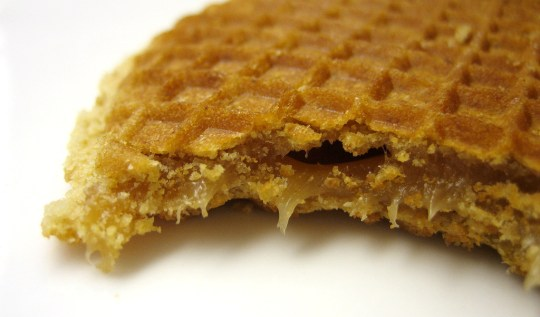 Stroopwafel - 7 Can't Miss Dutch Snacks To Try In The Netherlands | www.rtwgirl.com