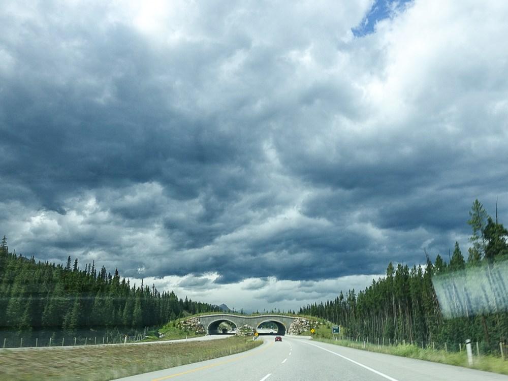 Driving to Moraine Lake