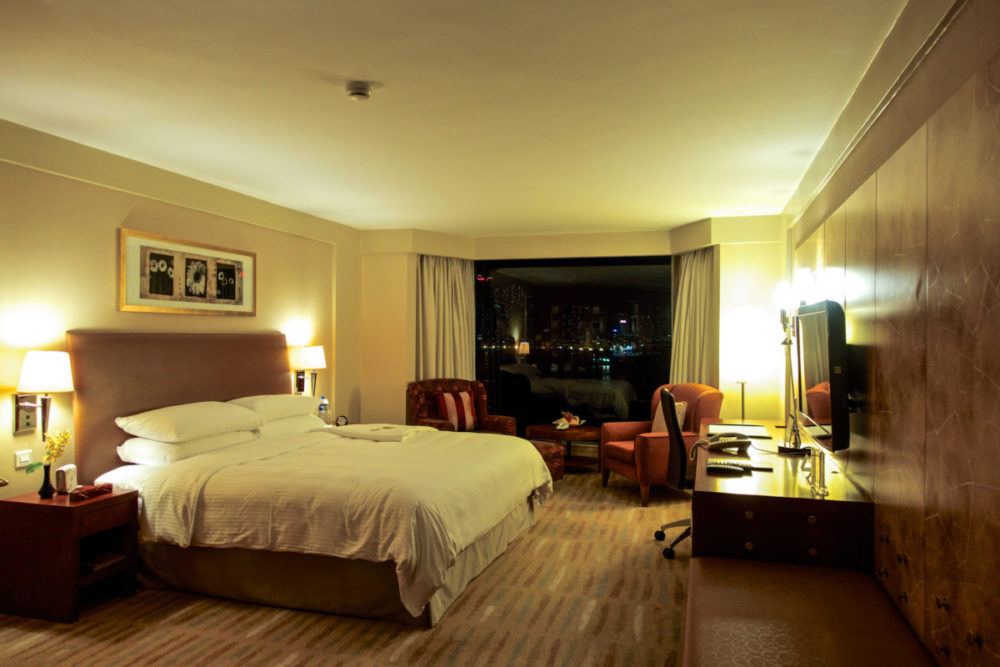 Shangri La Kowloon Suite | rtwgirl