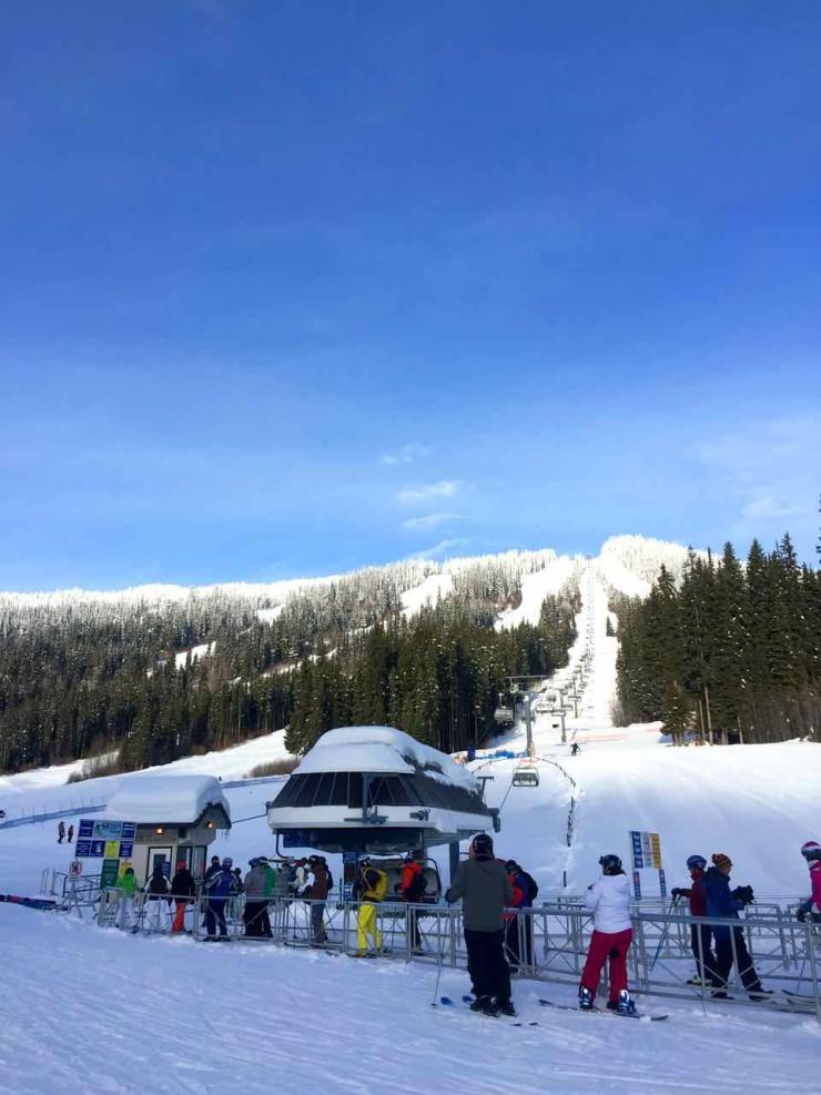 Snowboarding Sun Peaks Resort