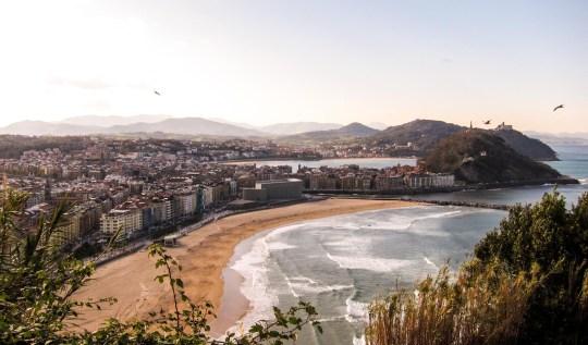 Donostia San Sebastian, Spain | www.rtwgirl.com