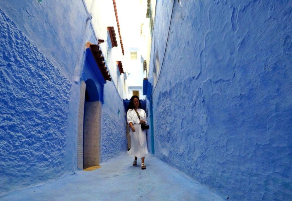 Arnette in Chefchaouen Morocco | www.rtwgirl.com
